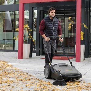 Sweepers & Vacuum Sweepers Walk-Behind