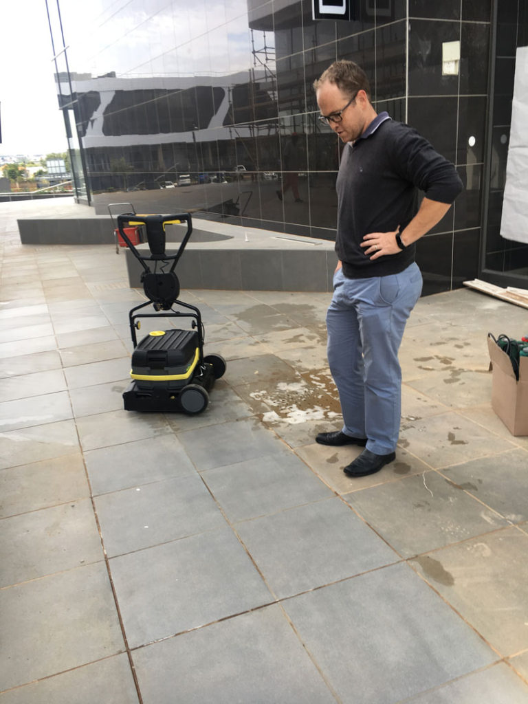 Karcher-Ride-On-Scrubber-for-Construction-Sites-bruce-768x1024