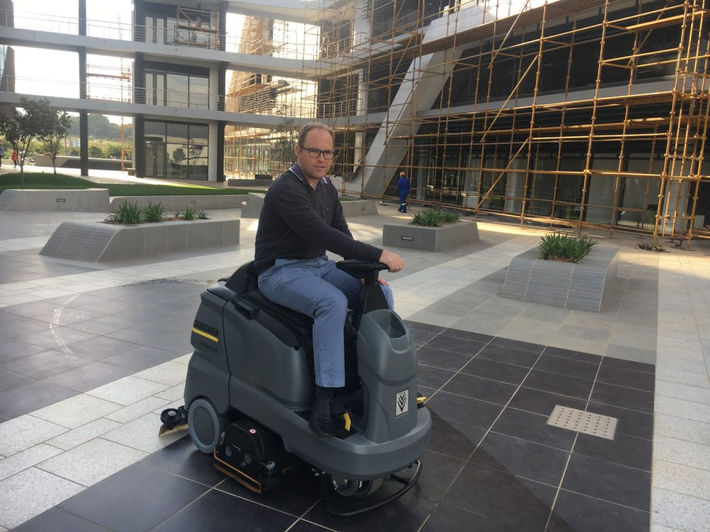 Karcher-Ride-On-Scrubber-for-Construction-Sites-bruce-ride-on-1024x768