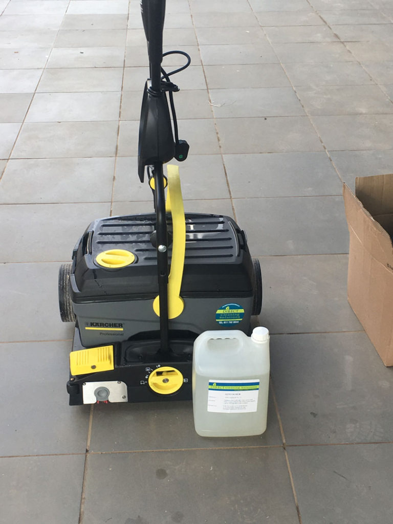 Karcher-Ride-On-Scrubber-for-Construction-Sites-dcs-label-768x1024
