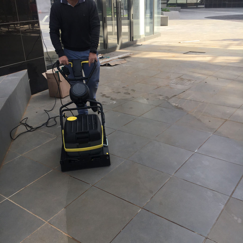 Karcher-Ride-On-Scrubber-for-Construction-Sites-machine-1024x1024