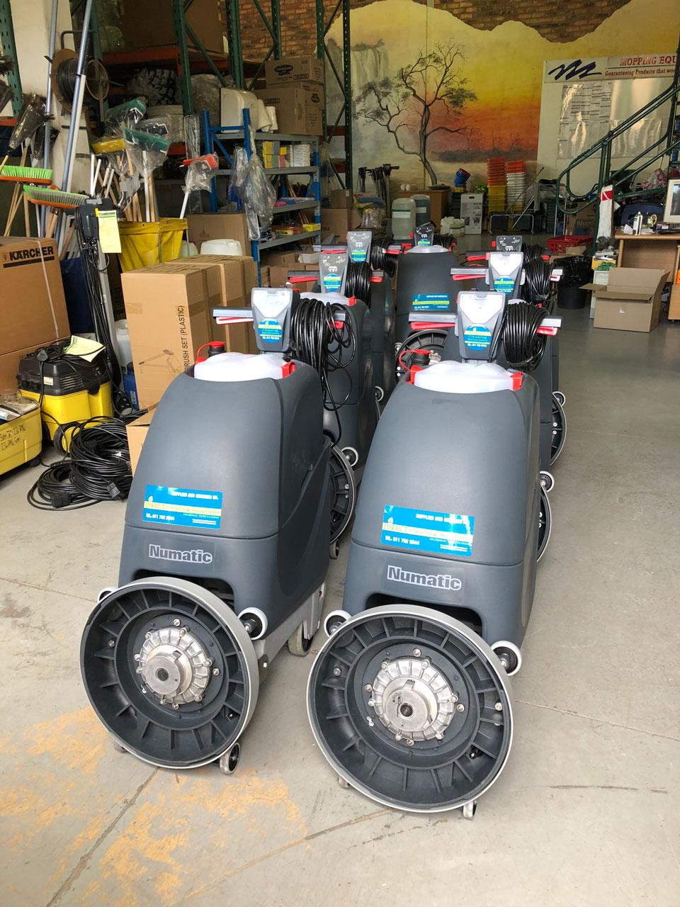 Numatic-TTB4045-Electric-Auto-Scrubbers-3-1